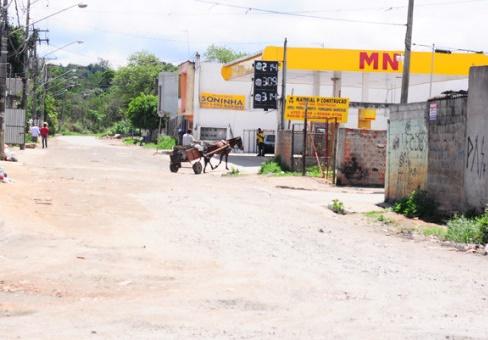Estrada do Preju no bairro Miguel Badra.